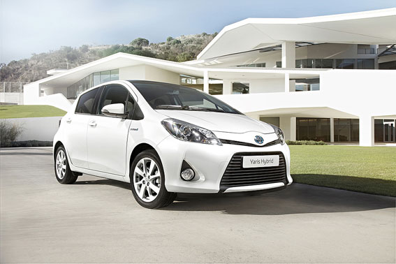 Yaris-Hybrid4_low_web.jpg