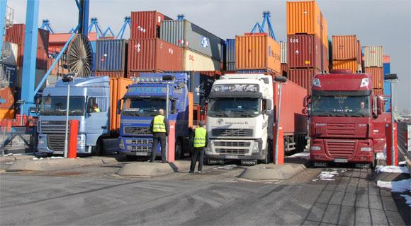 Lastbiler-i-havn-HH_web.jpg