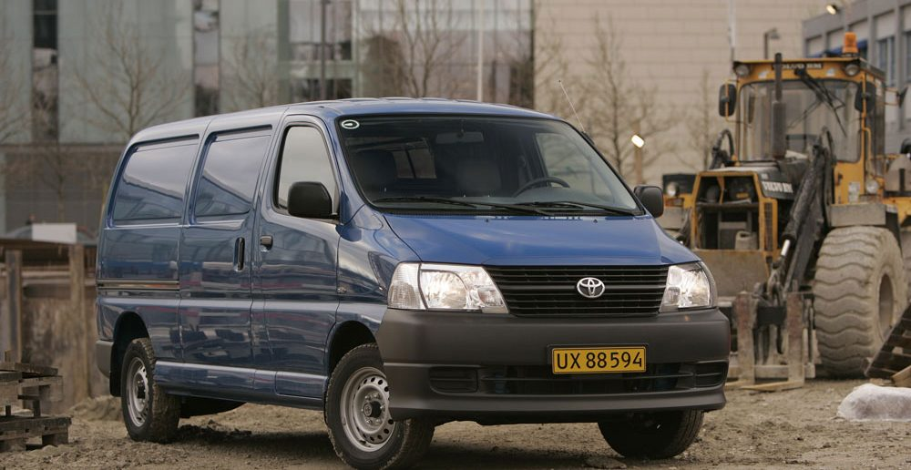 ToyotaHiace_web.jpg