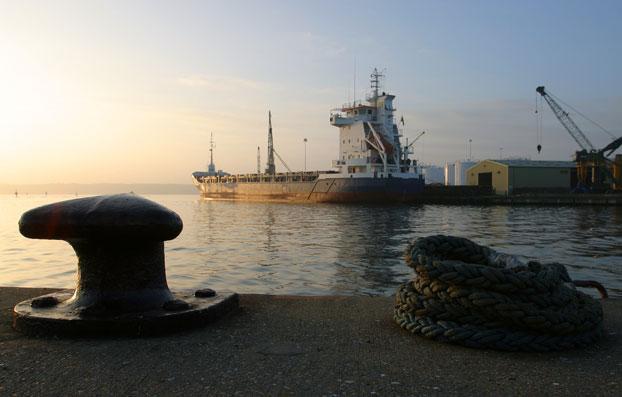 skib-i-havn_web.jpg