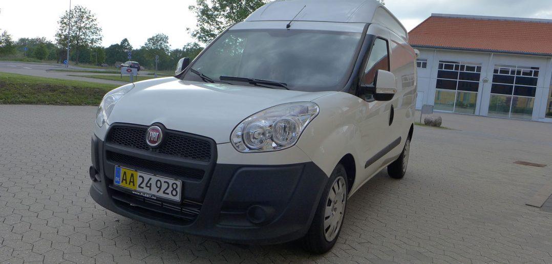 Fiat-Scudo-XL-skraat-forfra.jpg