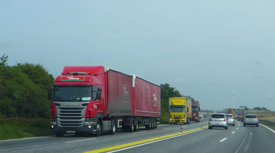 lastbiler-motorvej.jpg