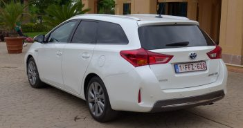 Toyota-Auris-Touring-Sports.jpg