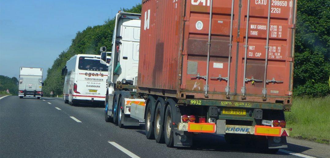 lastbiler-frem_web.jpg
