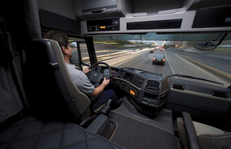 Chauffoer-Volvo_web.jpg