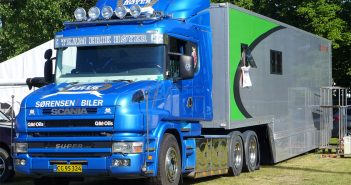 Scania-show-hoyer_web.jpg