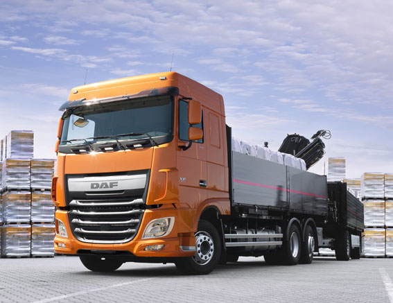 DAF-XF-FAN-6x2-HR.jpg
