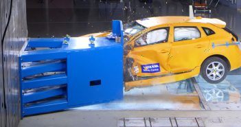 Volvo-Off-set-crash-V40-CT_.jpg