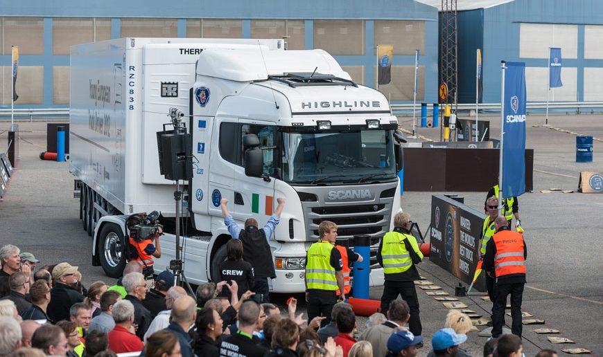 Scania-YETD-chauffoer-konk_.jpg