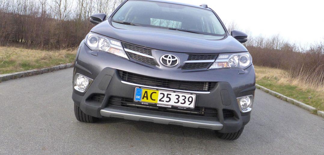 Toyota-RAV4-front-DK-1_web.jpg
