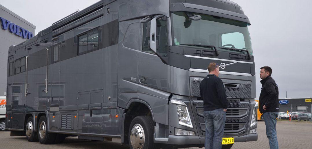 Volvo-FH-540-STX-hestetrans.jpg