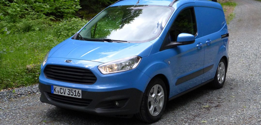 Ford-Transit-Courier-front_.jpg