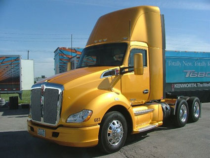 Kenworth-of-Omaha-T680_web-1.jpg