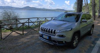 Jeep-Cherokee-Front-lake_we.jpg