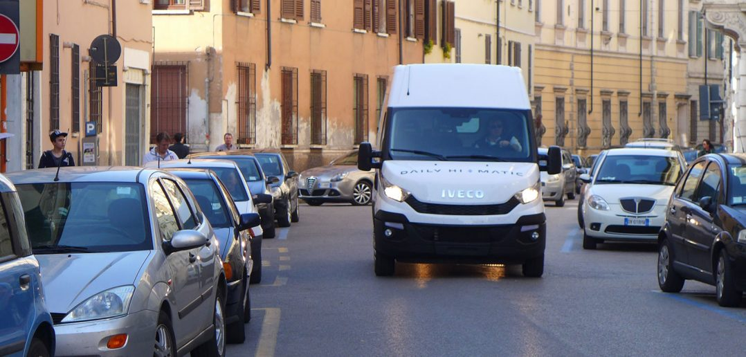 Iveco-Daily-Hi-Matic-i-by-1.jpg