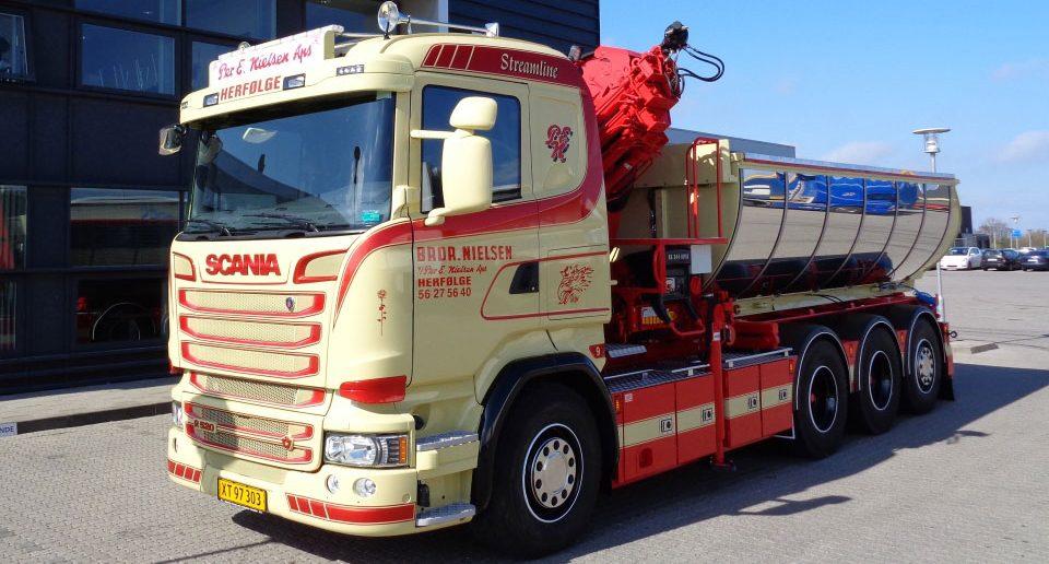 Scania-V8-til-Herfoelge.jpg