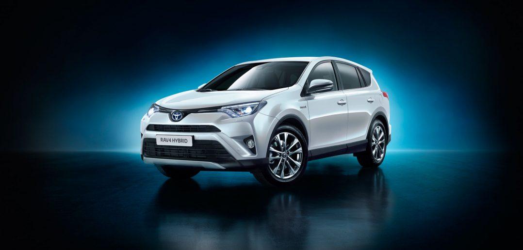 Toyota-RAV4-Hybrid-NY-15_we.jpg