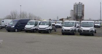 Bilsalg-2-varebiler-op-i-ma-1.jpg