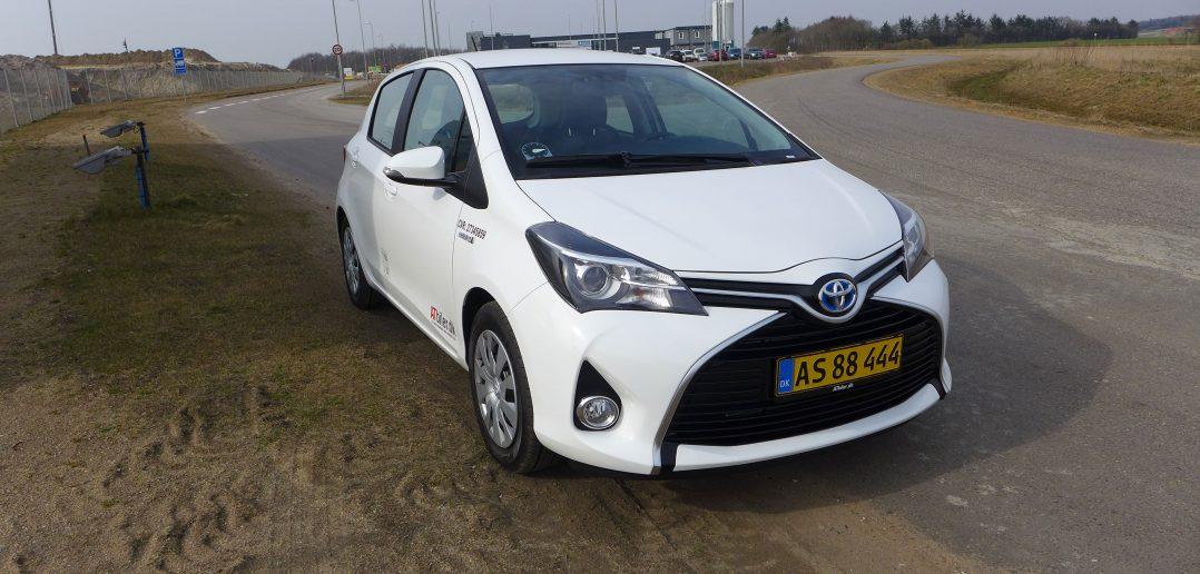 Toyota-Yaris-Hybrid-Van_web.jpg