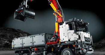 LEGO-MB-Arocs_web.jpg