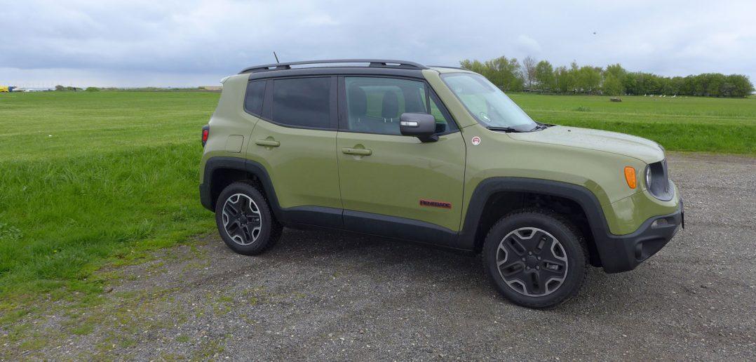 Jeep-Renegade-Trailhawk-1_w-1.jpg