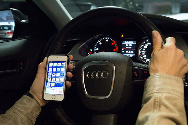 SMS-i-bilen_web.jpg