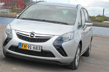 Opel-Zafira-Van_web-2.jpg