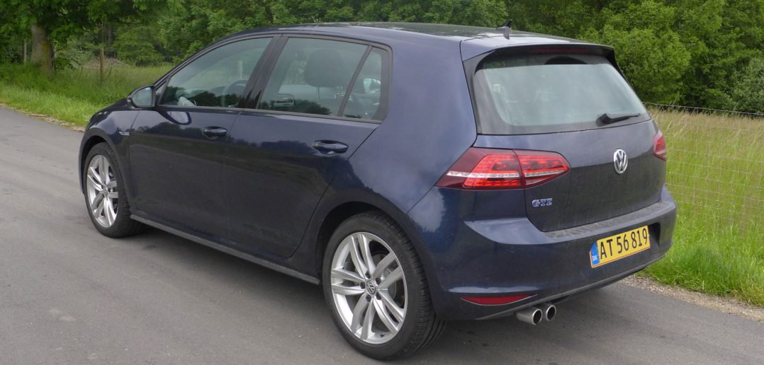 VW-Golf-low-GTE-bagfra_gul-.jpg