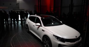 Kia-Optima-SW-Frf.jpg