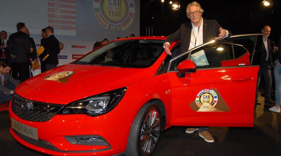 Opel-Astra-COTY-2016-med-SW.jpg