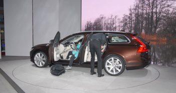 Genf16-Volvo-V90.jpg