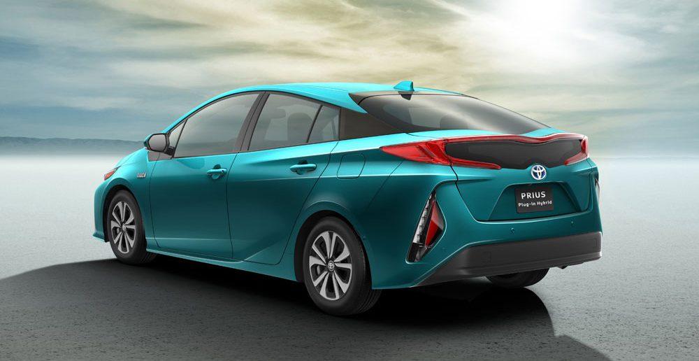 Toyota-Prius-PHEV_low.jpg