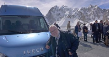 Iveco-Daily-Mt-Blanc-og-red.jpg