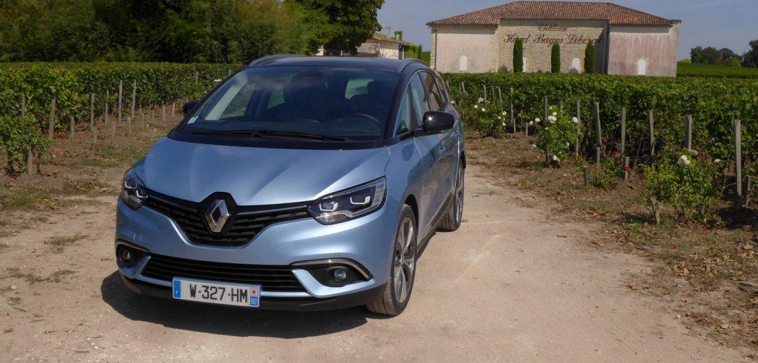 Renault-Grand-Scenic-17-Bor.jpg