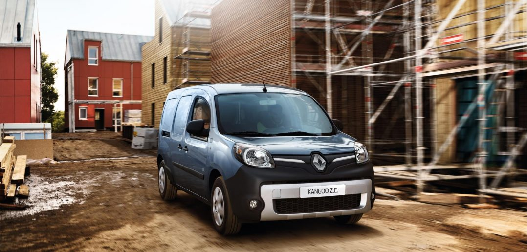 RENAULT KANGOO Z.E. VAN 17 TO ADD 50 MORE RANGE.JPG